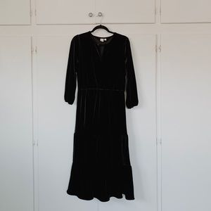GAP Black Velvet midi/maxi dress